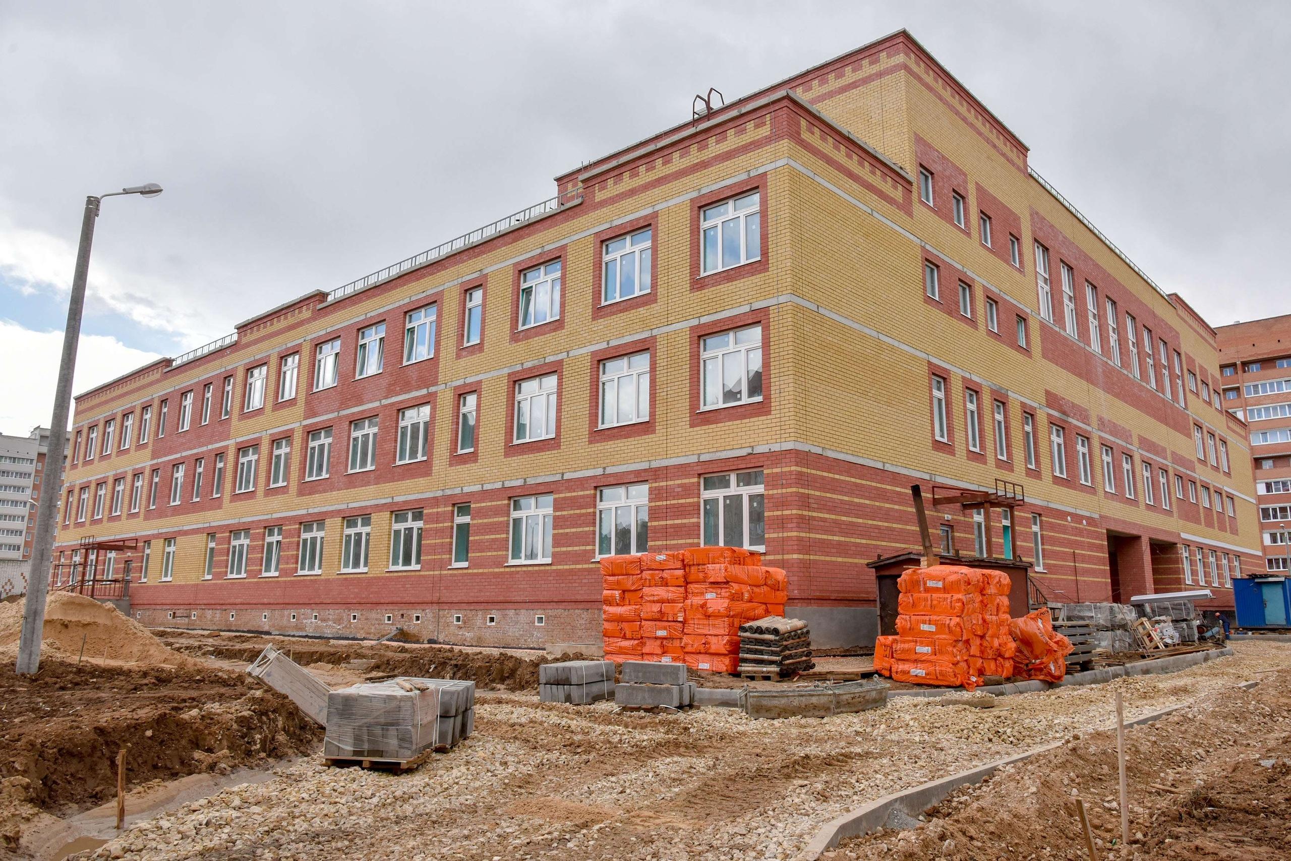 В девятом микрорайоне Йошкар-Олы завершается строительство школы