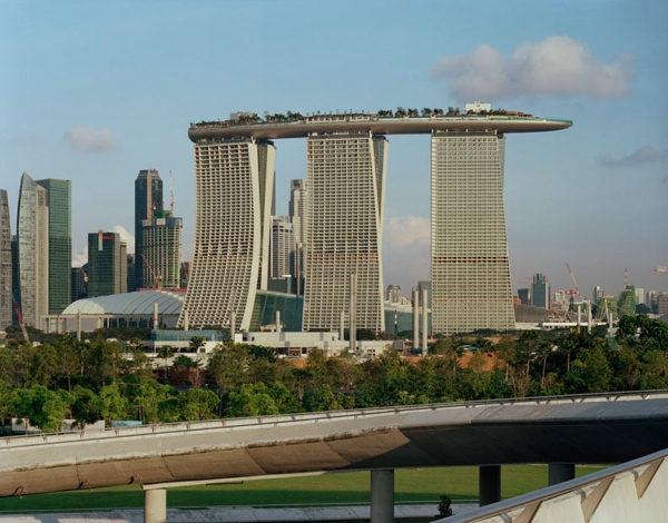 Уникальный отель Marina Bay Sands в Сингапуре., изображение №3