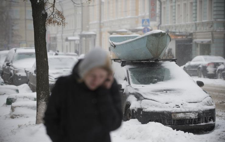 Чем опасен снег на крыше машины, изображение №2