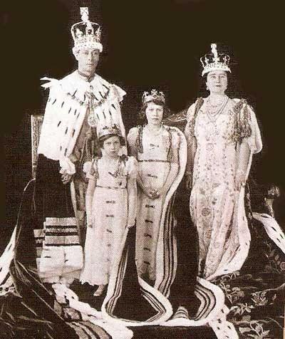 КОРОЛЕВА ВЕЛИКОБРИТАНИИ ЕЛИЗАВЕТА II — ПОПУЛЯРНЕЕ БЭКХЕМА И МАККАРТНИ, изображение №4